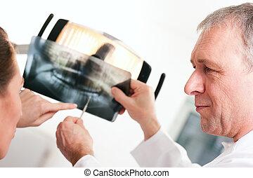 explicar, dentista, paciente, radiografía