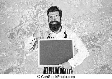 exposición, cocinero, café, pizarra, gesture., menú, pulgar, success., kitchen., cuisine., hombre, cocina, tacto, hipster, chef, barista, arriba, feliz, o, brutal, blackboard., restaurante, barbudo
