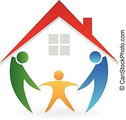 Familia con un nuevo logotipo de la casa