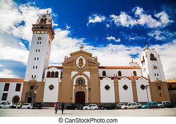 Famosa basílica de la iglesia de Candelaria