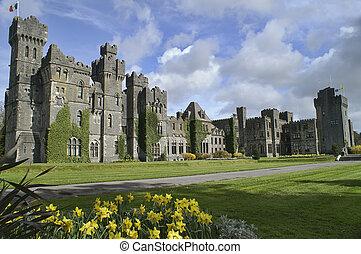 Famoso castillo Ashford, mayo del condado, Irlanda.