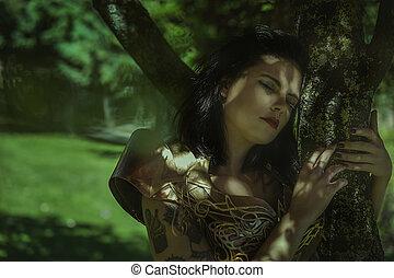 Fantasía, Reina con armadura de plata y oro, hermosa mujer morena con abrigo rojo largo y cabello castaño