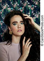 fashion., niña, estilo, pelo, earrings.beauty, largo, oro, rizado, grande, hermoso
