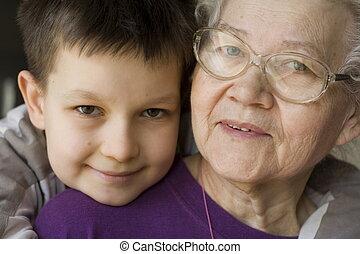 feliz, abuelita
