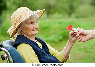 Feliz anciana