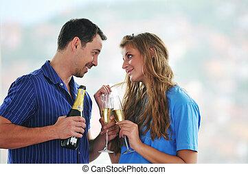 Feliz fiesta de pareja