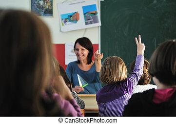 Feliz maestro en clase