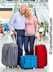 Feliz pareja de turistas.