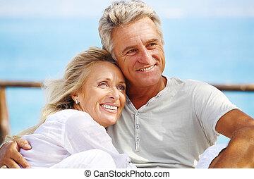 Feliz pareja madura