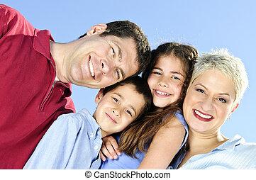 Feliz retrato de la familia