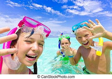 feliz, snorkeling, niños