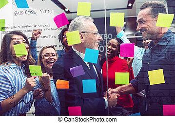 feliz, sociedad, equipo, juntos., gente, trabajo en equipo, concepto, éxito, trabajo