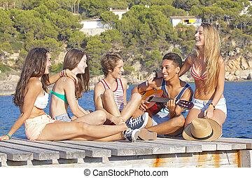Fiesta de la playa adolescentes