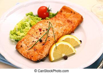 Filete de salmón a la parrilla y verduras