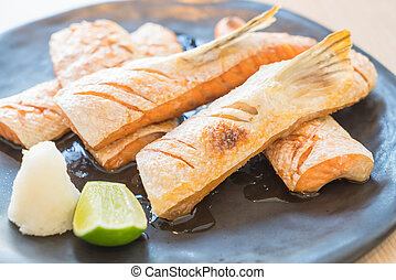 Filete de salmón frito