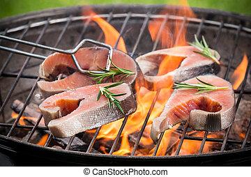 Filetes de salmón a la parrilla