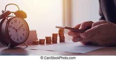 finanzas caseras, ahorros, economía, presupuesto