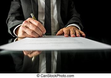 Firmando papeles legales