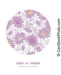Florales de sombra púrpura en el círculo de la decoración