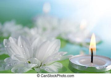 Flores flotantes y velas