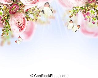 Flores suaves de rosas rosas y mariposas