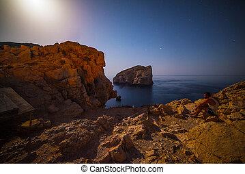 Foradada Island en una noche clara