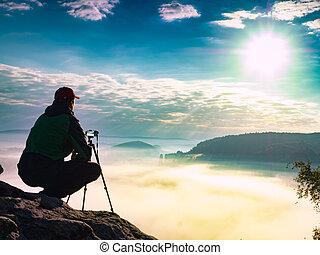 fotógrafo, el suyo, cumbre, madurado, trípode, hombre cámara