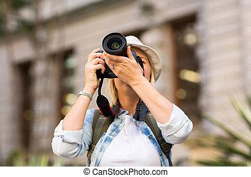 foto, toma, turista, ciudad
