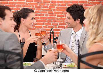 foursome, romántico, restaurante