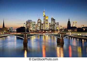 Frankfurt soy el principal.