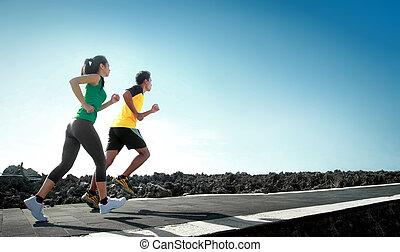 Gente de deportes corriendo al aire libre