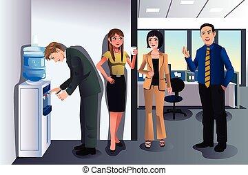 Gente de negocios charlando cerca de un refrigerador de agua
