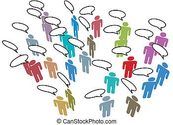 Gente que conoce a la red de medios sociales con un discurso colorido