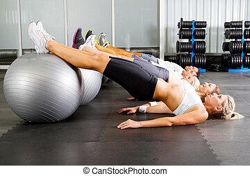 gimnasio, entrenamiento, grupo, jóvenes