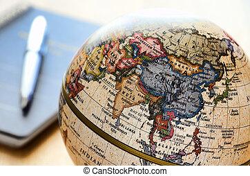 Globe East Asia (punto de boli y cuaderno).