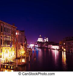 Gran Canal en una noche clara