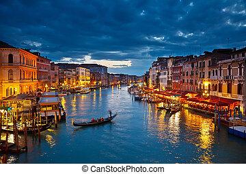 Gran canal por la noche, Venecia