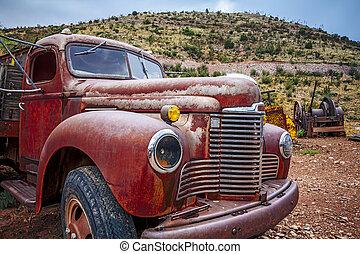 grande, camión, oxidado, viejo, recolección