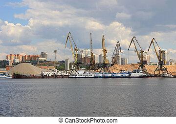 Grullas en el puerto, Moscú