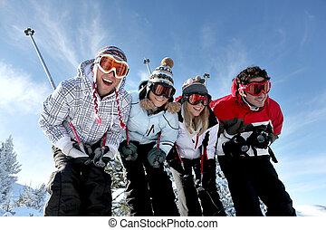 grupo, adolescentes, esquí