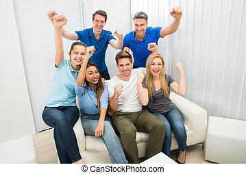 Grupo de amigos animando