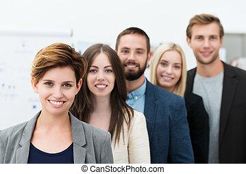 Grupo de jóvenes empresarios