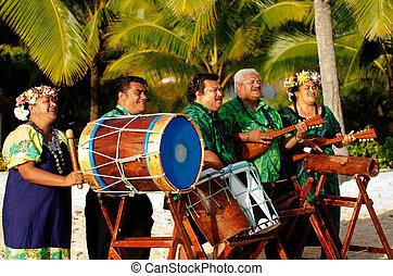 Grupo de música tahitiana de la isla del Pacífico Polinesia