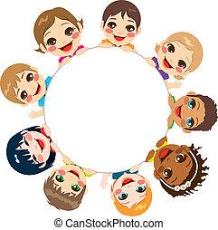 Grupo de niños multiétnicos