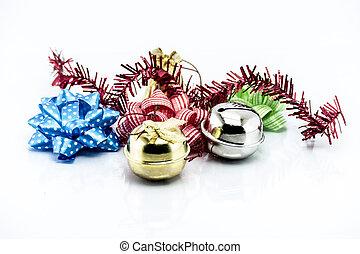 Grupo de objetos de Navidad aislados en el fondo blanco
