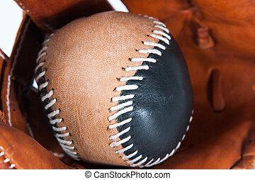 Guante de béisbol con pelota