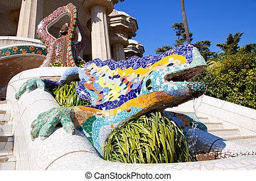 guell, dragón, salamandra, parque, gaudi