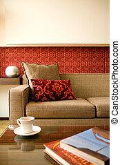 Habitación de hotel con un diseño de interiores precioso