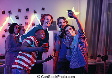 hacer amigos, selfie, teléfono