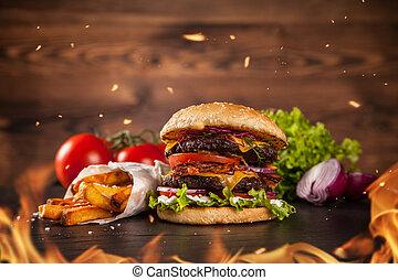 Hamburguesa casera con lechuga y queso